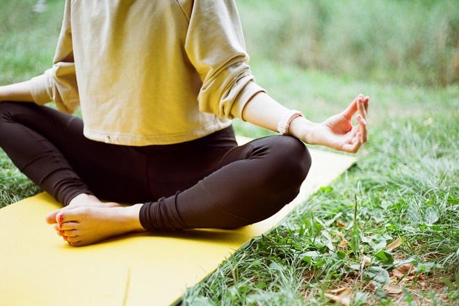 Besplatni časovi joge na Adi Ciganliji (foto: Надя Кисільова / Unsplash)