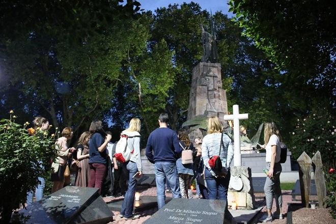"""Tematski obilasci Novog groblja (foto: JKP """"Pogrebne usluge"""")"""