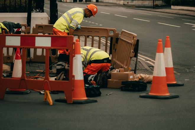 Izmene u saobraćaju i na linijama JGP, radovi (foto: Alex Motoc / Unsplash)