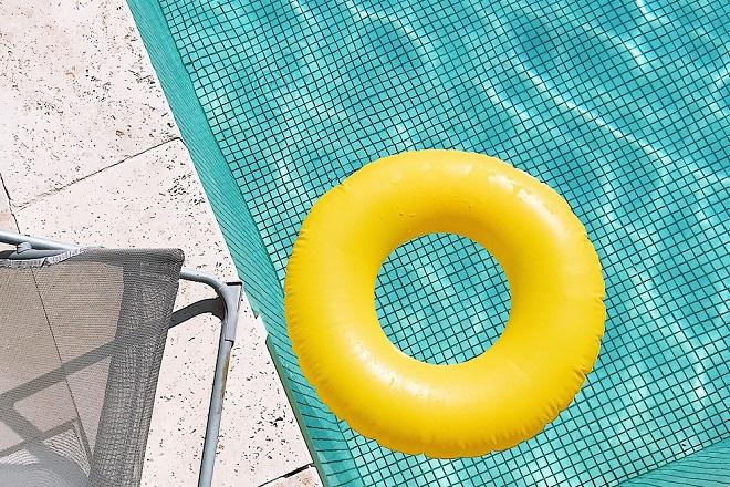 Sedam dana u Beogradu, 17-23. jun 2021: letnja sezona na bazenima (foto: Jubeo Hernandez / Unsplash)