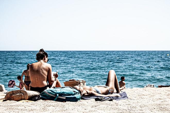 Sunce je najvažniji faktor za starenje i oštećenje kože (foto: Ferran Feixas / Unsplash)
