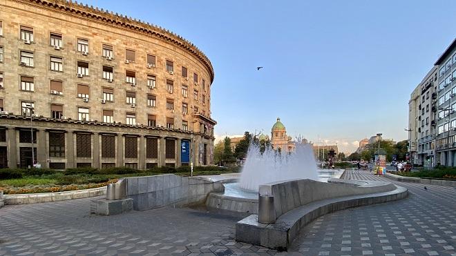 Vreo asfalt u Beogradu: Cisterne sa vodom za piće na šest lokacija (foto: Aleksandra Prhal)