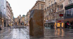 Bečki Umetnički trg: Kamen (foto: © Lachlan Blair / LOXPIX.com, 2021)