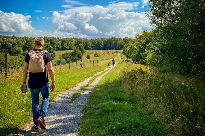 Šetnja je izuzetno važna za zdravlje (foto: Jennifer Latuperisa Andresen / Unsplash)