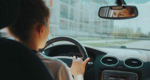 Da li znate... da ljudi provedu i do četiri godine u automobilu (foto: Mira Kireeva / Unsplash)