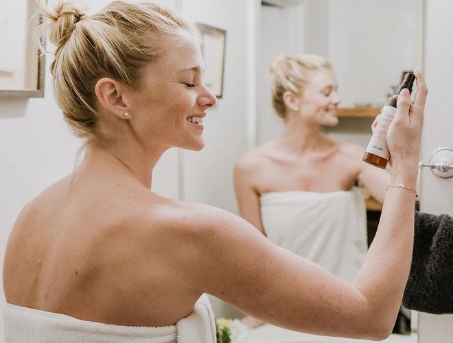 Kako negovati kožu lica u skladu sa godinama (foto: Makalos Skincare / Unsplash)