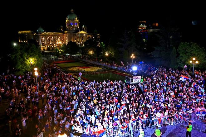 Olimpijci ispred Starog dvora (foto: beograd.rs)