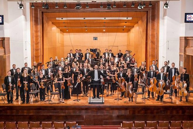 """Simfonijski orkestar """"Makris"""": Letnji gala koncert """"Najveći hitovi klasike i Holivuda"""""""
