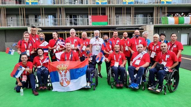 Srpski tim u Tokiju (foto: POKS)