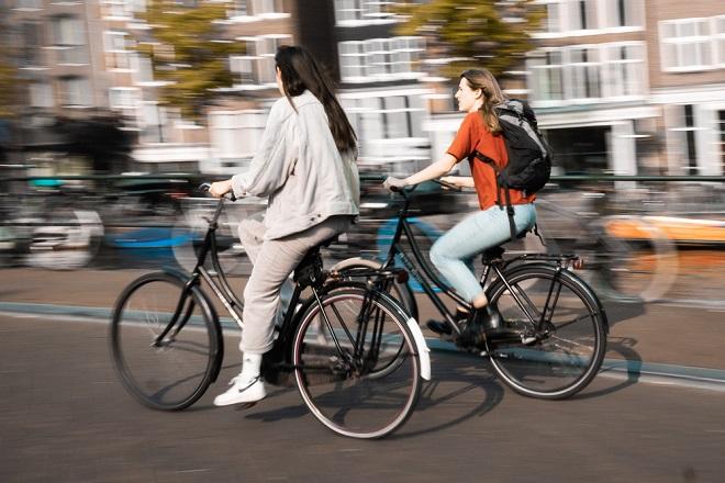 Biciklistička vožnja - Beogradska Kritična masa (foto: Maixent Viau / Unsplash)