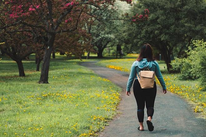 Hodanje - potcenjeni način vežbanja i mršavljenja (foto: Jeffrey Grospe / Unsplash)