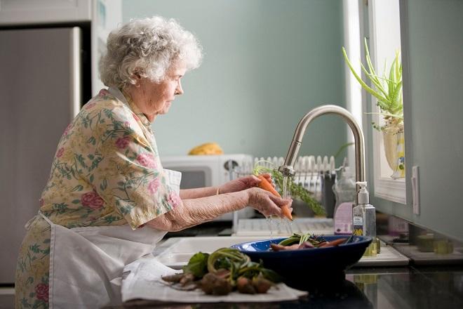 Isplata penzija (foto: CDC / Unsplash)