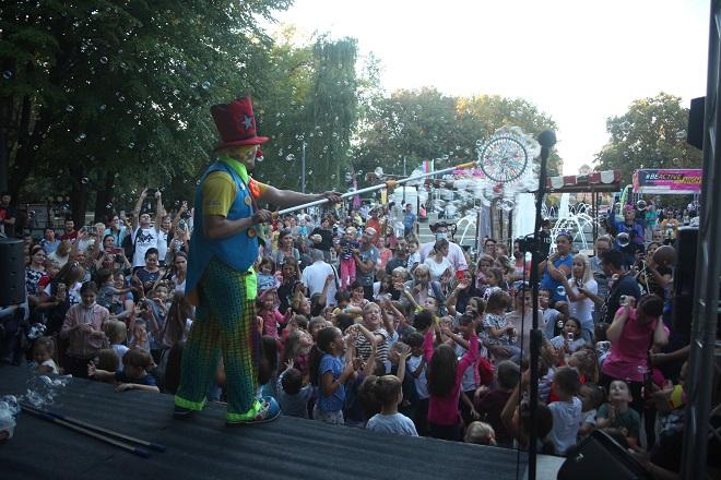 Veliki dečji karneval u parku Tašmajdan (foto: Ljupka Vujanić)